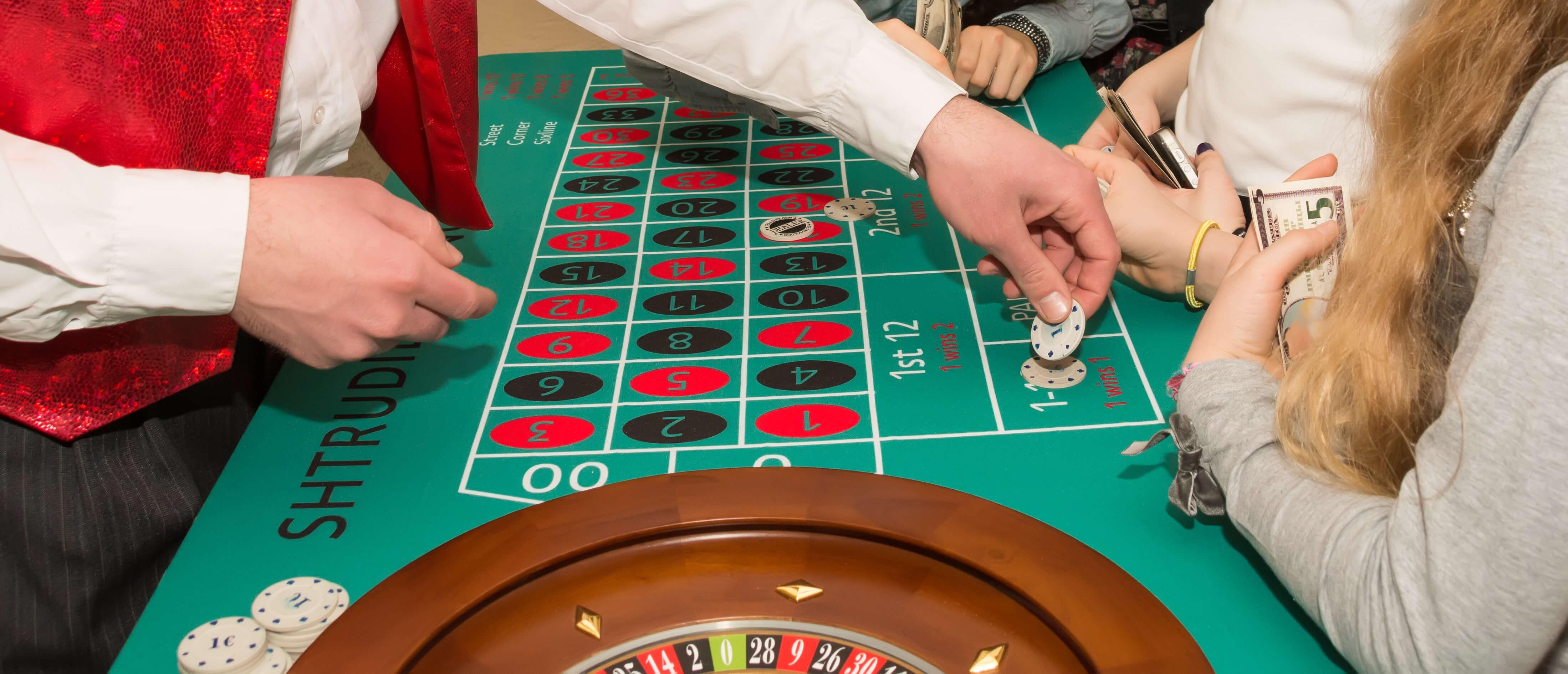 mesa de juego de la ruleta francesa